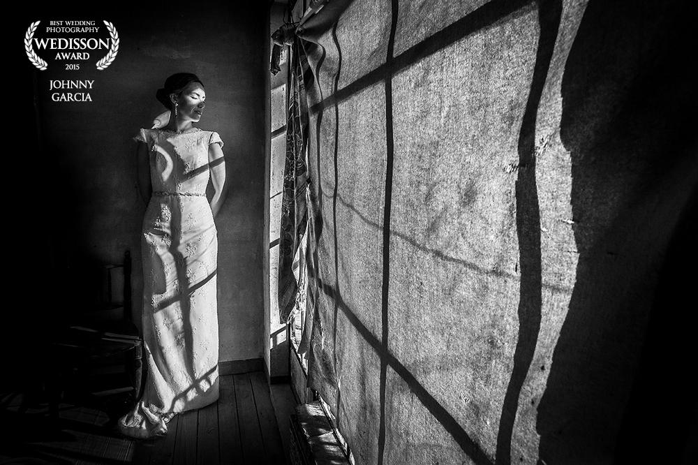 Fotografía premiada en el directorio Wedisson de Rusia, realizada por Johnny Garcia en una casa típica en Candelario
