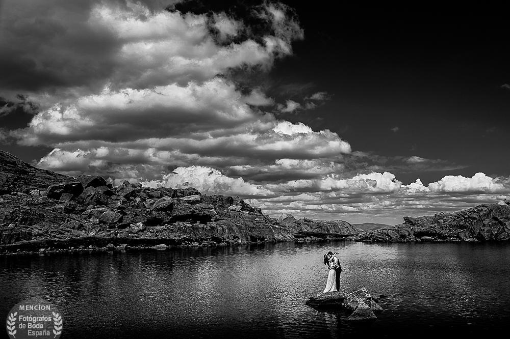 Fotografia con mencion de honor en la cagoria de composicion en el directorio Fotografos de Boda en España, realizada por Johnny Garcia en Las Lagunas del Trampal