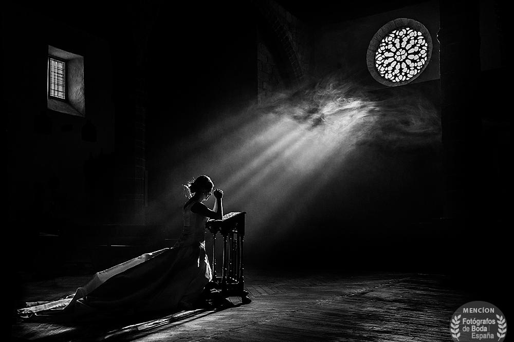Fotografia con mencion de honor en la cagoria de luz en el directorio Fotografos de Boda en España, realizada por Johnny Garcia en Candelario